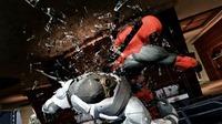 Deadpool_GamesCom_Fist to Face