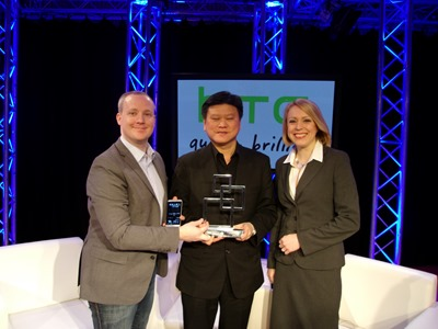 Ben Ho and Graham Wheeler accepts award