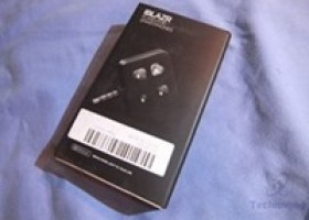 iblazr External LED Flash for iOS and Android Devices Review @ Technogog