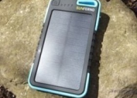Sunferno Flintstone 5000mAh Solar Charger Review @ Technogog