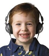 KIDZ%20GEAR%20Wired%20Headphones%20(CH68KG01)%20with%20Kid%2072dpi