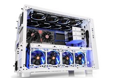 Thermaltake Core X9 Snow Edition has unparralleled cooling ability offering fan brackets with various mounting  points.